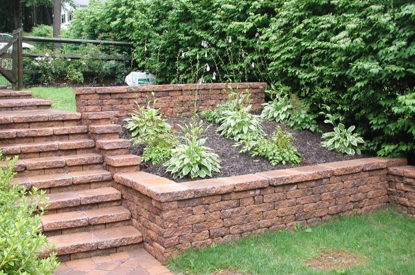Buckwalter Landscaping, Douglassville, PA - retaining wall construction